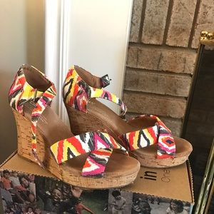 Multicolored Toms Wedges